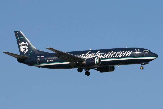 Alaska_Airlines_Boeing_737